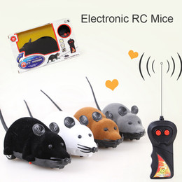 Drop Shipping Cat Toy Wireless Control Remoto Mouse Electronic RC Mice Toy Mascotas Cat Toy Mouse para juguetes para niños Envío gratis en venta