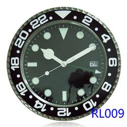 Combinaison murale lumineuse Séparation Matériau du corps Métal Marque de luxe Antique Horloge murale numérique Type de montre Noir avec Date Luminova en Solde