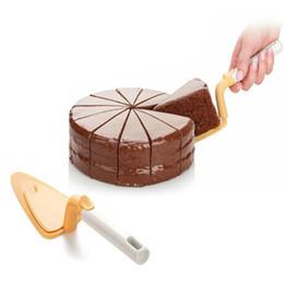 Cheese Shovel Canada - Wholesale- Pizza Cake Shovels Spade Cheese Pastry Bread Kitchen Spatula Home Baking Pastry Cake Scoop Pastry Baking Tools ABS GI873184