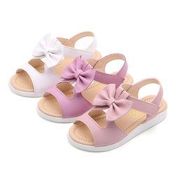 Estilo de verano Sandalias para niños Chicas Princesa Zapatos de flores hermosas Sandalias planas para niños Sandalias de playa para niñas en venta