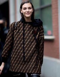 Venta al por mayor de Estación europea 2018 otoño e invierno chaqueta de mujer suelta suéteres sueltos de doble letra F LOGOTIPO vieja flor de las mujeres suéter