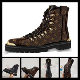 $enCountryForm.capitalKeyWord NZ - Designer Boots Genuine leather Italy fashion Boots Designer Shoes men Women shoes Fashion embroidery High Cut Top Sneaker with tiger print