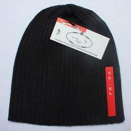 Venta al por mayor-2018 otoño invierno sombreros para mujer hombre  diseñador de moda gorros 89b37910ae5