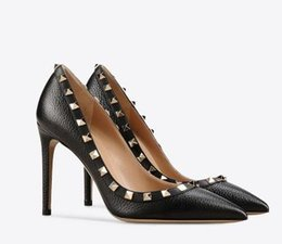 Chinese  tailor made* high quality!u569 34 40 genuine leather pointy rivets heels sandals v pumps luxury designer 8 10 cm fashion shoes 531 manufacturers
