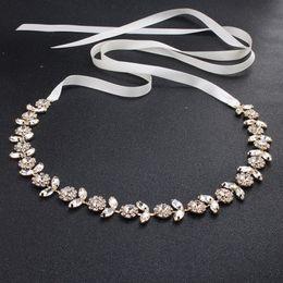 Cinturón de boda de lujo Bella nupcial 2019 Fashion Rhinestone Adornment para bodas fiesta de fiesta vestido de noche accesorios cinturón 100% hecho a mano en venta