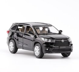 Door toys online shopping - High simulation Toyota Highlander scale alloy pull back car model diecast metal toy vehicles musical flashing open doors suv