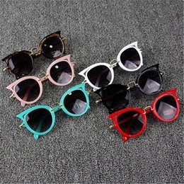 64033bc182 2018 Niños Gafas de Sol Niñas Marca de Ojo de Gato Niños Gafas Niños UV400  Lente Bebé gafas de Sol Lentes Lentes Gafas