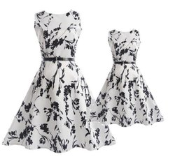 $enCountryForm.capitalKeyWord UK - Mom Girl Rose Dress Mother Daughter Floral Print TUTU Dresses 2019 Summer Mom Kids Matching Dress Family Match Outfits Clothes