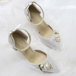 $enCountryForm.capitalKeyWord Australia - Imit Silk Wedding shoes Satin Ivory bride wedding Pointed Toe dresses diamond lace manual wedding BRIDAL HEEL shoes Rose New EU35-42 Aaa3