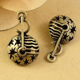 $enCountryForm.capitalKeyWord Canada - A2300 17*28MM Antique Bronze Hollow retro filigree 3D music symbol charm pendant beads jewelry, DIY accessories musical note charms