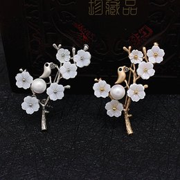 $enCountryForm.capitalKeyWord NZ - White Imitation Pearl Brooches and Pins Plum blossom Flower Branches Dress Accessories Jewelry Pins