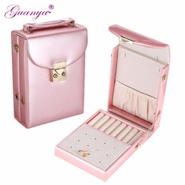 China Guanya high-quality portable jewelry box with lock travel makeup Cosmetic shoulder bag earrings ring Organizer case Lady Gift suppliers