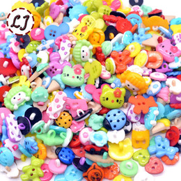 $enCountryForm.capitalKeyWord Canada - wholesale random mixed plastic button for kids sewing buttons clothes accessories crafts child cartoon button