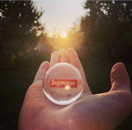 Sup 18FW semaine1 boîte logo Verre Billes Balles Feng Shui Décor À La Maison Sphère Magique Globe Bureau Presse-papier en Solde