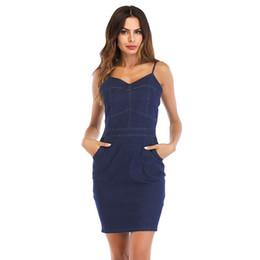 1378cc9ce49 Nouvelle robe d été en denim pour femmes de commerce extérieur avec  bretelles et col v