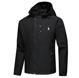 Venta al por mayor de Hot Mens chaquetas de diseño de lujo de manga larga rompevientos windrunner hombres cremallera chaqueta impermeable cara norte con capucha abrigos ropa