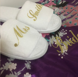 personalized bride gifts Australia - Unique Bridesmaid Gift wholesales personalized wedding slippers bride guest hen party gifts 5 pairs lot free shipping