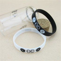 $enCountryForm.capitalKeyWord Australia - Wholesale KPOP EXO EXO-K EXO-M XOXO jelly Men or Women bracelet Y2220