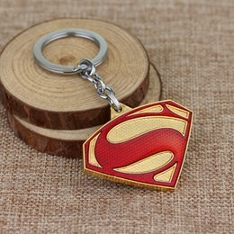 Discount superhero keychains - High Quality Movie Jewelry  Keychains Vintage Gold Colors Red Color Superhero Key Holder Llaveros