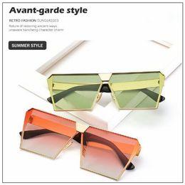 Chinese  11 Colors Oversized Women Sunglasses Unique Brand Designer Sunglass Vintage Eyeglasses Frames For Women CCA9230 10pcs manufacturers