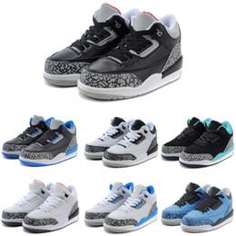 Brand Three Kids Scarpe da pallacanestro 2018 Unisex Designer Sneakers Leading Trends Sportswear Scarpe da corsa con qualità superiore