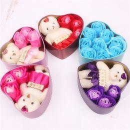 Romántica Rosa Flor de Jabón con Little Cute Bear Doll 3 Rosa 1 Oso 9 Rosa Caja de Corazón Regalos de San Valentín Regalo de boda