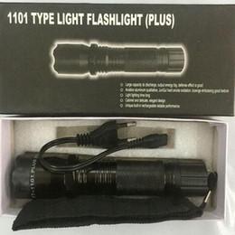 Vente en gros Vente chaude Nouveau 1101 1202 Type Plus Edc Linternas Light LED Lampe de Poche Tactique Lanterna Self Defense Torch Livraison Gratuite