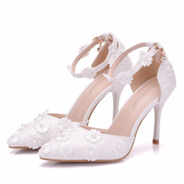 $enCountryForm.capitalKeyWord Canada - New spring elegant pointed toe shoes for women White pearls high heel wedding shoes thick heels Beautiful lace flowers Plus Size Shoes