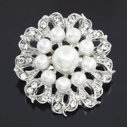 Crystal Rhinestone Flower Brooches Australia - High Quality Imitation Pearl Lovely Round Flower Brooch Stunning Clear Crystal Rhinestone Women Bridal Bouquet Broach Pin Special Collar Pin