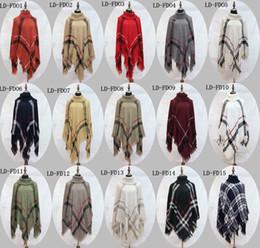 2018 Poncho de tela escocesa de maternidad de las mujeres de la borla de la blusa de punto abrigo suéter Wraps Vintage bufandas de punto de tartán de invierno capa de la capa del mantón del chal