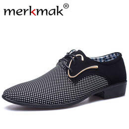 italian style dress shoes Canada - Merkmak Men Leather Shoes Office Men's Dress Suit Shoes Italian Style Wedding Casual Shoes Pointed Toe Business Men
