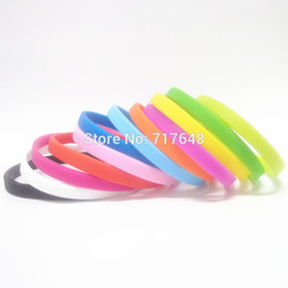 Blank cuff Bracelets online shopping - 100pcs thin solid Blank Plain simple Silicone Wristbands Bracelets