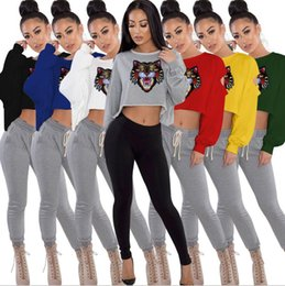$enCountryForm.capitalKeyWord Australia - Tiger Head Crop Top T Shirts Printed Women Long Sleeve Round Neck Short Pullover Tee Shirts 7 Styles FFA168 10PCS