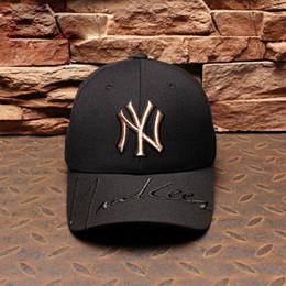 62f6f03a83 Novos homens mulheres boné de beisebol preto e branco cap NY padrão ouro  chapéu hip hop sports hat