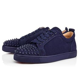 d4b1771afb9e NEWbaskets hommes Spikes Red Bottom Luxe Design Flat Casual Chaussures  Hommes Basse Top Rouge Sole Studded Blue Black Studs Rivet Male Shoes