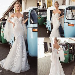 wedding cap sleeves bling UK - Lanesta Wedding Dresses Mermaid Sweetheart Lace Applique Beads Bling Long Sleeve Backless Plus Size Bridal Gowns Beach Robe De Mariée