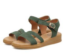 b4f16a1ffd9b5 In the summer of 2018 the new flat sandals female leisure metal word type restoring  ancient ways cingulate fashion shoes female students