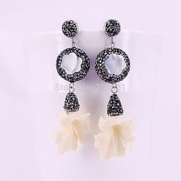 $enCountryForm.capitalKeyWord Australia - 3Pairs Pave Crystal Rhinestone White Flower Shell Dangle Earrings Womens Fashion Drop Earring Jewery C18111901