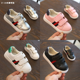 China Children Fashion Casual Flat Bottom Shoes 2018 Autumn New Pattern Boy And Girl Joker Low Help Magic Sticker Round Toe Sneakers Tide cheap joker stickers suppliers