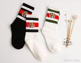vintage red socks 2019 - Vintage Tiger Embroidery White Striped Sockings Fashion Brand Women's Sports Socking Knee Casual Socks White Athlet