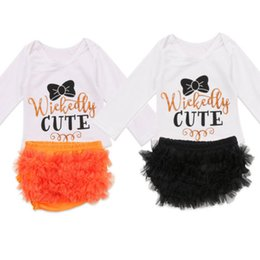 $enCountryForm.capitalKeyWord Australia - Lovely Infant Kids Baby Girl Clothes O-Neck Long Sleeve Letter Print Top T-Shirt Floral Lace Short Pants 2Pcs Outfits Set 0-24M