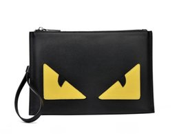 c1967941b Lindo bolso de embrague pequeño monstruo en stock con envío gratuito  diseñador de moda bolsas de