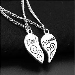 bbf56728a6f7 Europa Estados Unidos Populares Antiguos de Plata Mejores Amigos Corazón  Roto Clavícula Colgante Amor Costura Letras Collar Mujeres Regalo de la  joyería