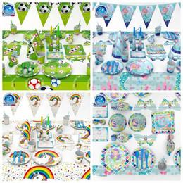 4 Stili di Calcio Mermaid Set di stoviglie Festa di compleanno Decorazione  Bambini Tovaglioli Tovaglia Bandiera Piatto di Paglia Rifornimenti del  partito ... b4772c45ad7c