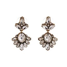 $enCountryForm.capitalKeyWord UK - 5pcs lot White Crystal Flower Earrings Vintage Style Fashion Dangle Drop Statement Earrings for Women Party Wedding Hot Sale 2018