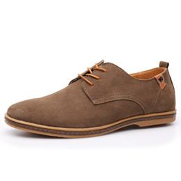 8238ee5199 Kingcn Novo Todos Os Sapatos Brancos Tamanho 36-45 2017 versão  atualizadaHomens e Mulheres Na Moda Sapatos Casuais