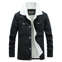 Chinese  Denim Jacket Men Winter Black and green Male Bomber Jacket Fashion Men Plus velvet Leisure coat manufacturers