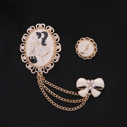 Hijab bouquets online shopping - Cute Beauty Girl s Frame Brooch Enamel Bow High heels Brooches for Women Bouquet Jewelry Hijab Lapel Pins Set Silver Color haif