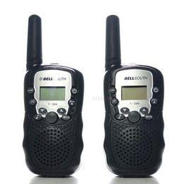 Venta al por mayor de Al por mayor-2pcs Walkie Talkie portátil radioafición T-388 Negro Mini LCD inalámbrico 5KM UHF VOX Multi canales transceptor Way Radio