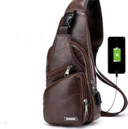 China 2018 Crossbody Bags Men's USB Chest Bag Designer Messenger Leather Shoulder Diagonal Package 2018 new Back Pack Travel suppliers